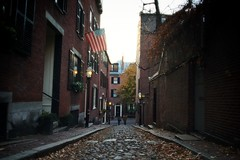 What you built with your passion and effort will never die (Rasara2111-U) Tags: street woman man history fall boston america couple sony nostalgic beaconstreet 2014 nex5r sonynex5r