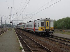 Quvy, extra lange L-trein (Ahrend01) Tags: gare nmbs frontire sncb quvy grensstation ltrein