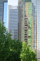 IMG_1888 (Mud Boy) Tags: canada reflection green glass vancouver britishcolumbia pacificnorthwest cityofglass vancouverconventioncentre panpacificvancouver buildinginvancouverbritishcolumbia thevancouverconventioncentreisaconventioncentreinvancouverbritishcolumbiacanadaitisoneofcanadaslargestconventioncentreswiththeopeningofthenewwestbuildingin2009itnowhas466500ft²ofmeetingspace 999canadapl200vancouverbcv6c3c1canada