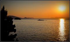 Stop the hate ! (AMCC, merci pour votre regard !) Tags: mer de soleil nikon coucher