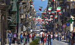 Life in Palermo (Fil.ippo) Tags: palermo cassaro viavittorioemanuele street oldest life cityscape streetphoto filippo filippobianchi d7000 corsovittorioemanuele