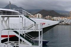 Fhre im Hafen von Los Cristianos (Martinus VI) Tags: islands la kanaren tenerife canary teneriffa gomera kanarische inseln