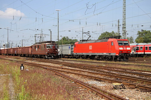 BR 185 100-5 und BLS Re 4-4 171 Basel Bad Bhf