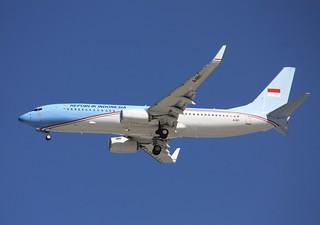 737-800  A-001