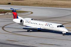 Chautauqua Airlines (Delta Connection) // Embraer ERJ-145LR // N575RP (cn 14500847, fn 8575) // KCMH 12/31/14 (Micheal Wass) Tags: chq rp embraer cmh chautauqua embraer145 erj145 deltaconnection portcolumbus chautauquaairlines portcolumbusinternationalairport embraererj145 e145 kcmh n575rp