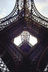 u xo Quc t Paris 1889 - Thp Eiffel do Gustave Eiffel xy dng  trong hai nm 1888-1889 (manhhai) Tags: paris france tower cities angles eiffel exposition unusual built 1889 gustave timeincown|consumerprod 5900492
