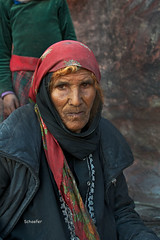 Portrait of a Bedouin Lady copy 2 (Linda Schaefer photography) Tags: petra middleeast jordan cavewoman