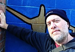 Day 1049 - Day 319: Leaning (knoopie) Tags: november selfportrait me doug leaning year3 picturemail iphone 2014 day319 knoop 365days knoopie day1049 365more 365daysyear3