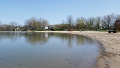 Le Fleuve Saint-Laurent et La Plage. 2016-05-11 14:49.53 (Sandbanks Pro) Tags: park holiday canada tree beach nature water sand eau quebec sable paysage arbre plage parc vacance touristique fleuve fleuvesaintlaurent sainttimothe salaberrydevalleyfield parcrgionaldesilesdesainttimothe parcrgional