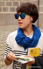10-IMG_2358 Granada Candid (marinbiker 1961) Tags: blue people sunglasses scarf outdoor chinese bob tourist granada visitor darkhair spain2016