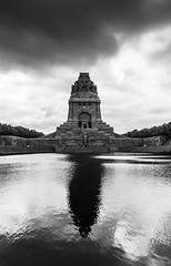 Denk mal (think4d) Tags: monument wasser leipzig reflexion bau denkmal vlkerschlachtcdenkmal