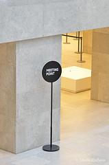 Meeting . (Piet Bink (aka)) Tags: amsterdam sign exhibition fotos moderntimes rijksmuseum bord centraal centrale punt tentoonstelling meetingpoint plaats aanduiding ontmoetingsplek