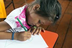 _TEF5528 (Edson Grandisoli. Natureza e mais...) Tags: peixe papel escola lpis menina desenho jovem desenhando amaznia educao ribeirinha cabocla educaoambiental regionorte