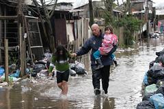 Alagamentos na capital (betina_carcuchinski) Tags: chuva alagamento desastre portoalegre riograndedosul excessodechuvas fotojornalismo betinacarcuchinski jornalismo fotografia photojournalism journalism photo