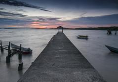 ::e.m.o.t.i.o.n:: (Zawawi Isa) Tags: sunset seascape horizontal boat horizon burning fishingvillage oldjetty pasirpanjang negerisembilan malaysiaseascape