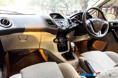 2015-Ford-Fiesta-Long-Term-07