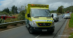 Wellington Free Ambulance @ Accident Scene (111 Emergency) Tags: park crash accident free scene ambulance wellington service emergency churton