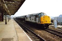 Wakefield Kirkgate, 15 March 1993 (elkemasa) Tags: 1993 wakefieldkirkgate class37