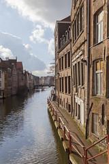 Canales y ladrillos. (www.rojoverdeyazul.es) Tags: water agua belgium autor gent bueno gand channels ducts gante lvaro blgica canales