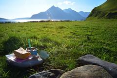 Pique-nique face au Sgurr na tri (yannick scordia) Tags: camping montagne walking scotland vacances isleofskye munros elgol summerholidays flickrfriday