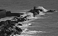 Helgoland (heiko.moser) Tags: bw blancoynegro nature water mono coast blackwhite wasser noiretblanc natur natura nb sw monochrom schwarzweiss nero kste sturm helgoland schwarzweis heikomoser