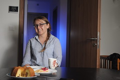 breakfast at tiffany's (Jakub Puskas) Tags: blue gel off camera flash two light setup rectangular softbox marble cake living room