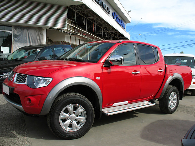 4x4 pickup l200 mitsubishi triton td camionetas doublecabin 25d crewcab turbodiesel l200crs