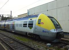SNCF TER Bourgogne Class Z26500 double-deck electric multiple unit no. Z27570 (Kentishman) Tags: station lumix dijon gare railway panasonic emu bourgogne sncf ter doubledeck côtedor p1040234 classz26500 dmcx1 z27570