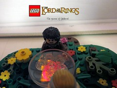Frodo and Galadriel together in this famous scene from Lord of the Rings (_Uruk_) Tags: lego lord ring elfe hobbit galadriel lordofthering frodon legolordofthering