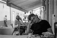 Lisboa.... (andrealinss) Tags: street leica blackandwhite bw portugal analog lisboa streetphotography lissabon schwarzweiss cascais alcochete leicam6 estoril streetfotografie andrealinss