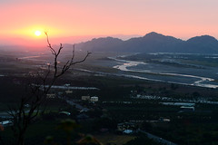 Kaohsiung Mountain Sunset (Bob Hawley) Tags: sunset mountains landscape asia view taiwan rivers kaohsiung agriculture meinong nikon1755f28 nikond7100