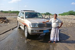 Driving in Yemen (EleanorGiul ~ http://thevelvetrocket.com/) Tags: yemen イエメン iémen йемен justinames 也门 arabpeninsula locallifeinyemen httpthevelvetrocketcom เยเมน