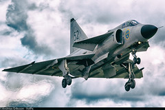 SE-DXN Saab AJS37 Viggen Swedish Air Force (Andreas Eriksson - VstPic) Tags: force air swedish saab viggen ajs37 sedxn ajs37viggensn37098withthecodef752builtin1977andservedallitsactivedutyinf15wingatsöderhamnandflown2460 23hoursintheswedishairforcenowwearsregistrationnumbersedxnandisoperatedbyswedishairforcehistoricflight