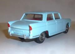 Dinky Toys 553 404 bleu ciel (gueguette80 ... non voyant pour une dure indte) Tags: france cars scale truck toy toys miniature camion restored autos 404 peugeot jouet dinky echelle diecast restaure code3