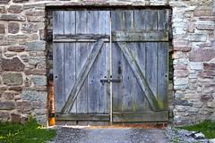 Door (hannatornblom) Tags: door wood castle texture stone wall nikon doors sweden text stonewall sverige doorways kalmar drr slott kalmarcastle kalmarslott nikon1 nikon1j5