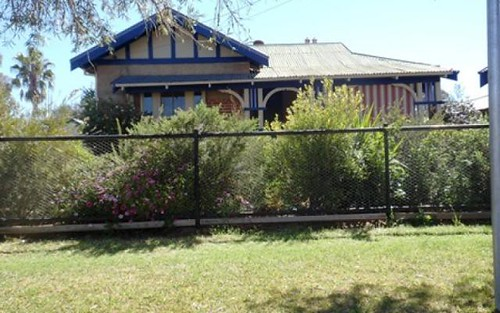 61 Clyburn St, Canowindra NSW