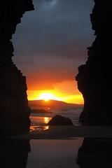 Puesta de sol en la playa de las Catedrales (Kiko Drudis) Tags: atardecer playa olympus galicia puestadesol lugo ocaso catedrales ascatedrais playadelascatedrales olympusomd omdem1