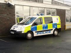 West Midlands Police Peugeot Expert (MJ_100) Tags: cops police vehicle van westmidlands peugeot expert emergencyservices emergencyvehicle