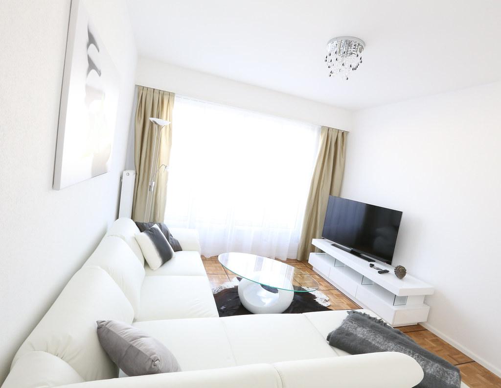 42er Astoria Wohnzimmer (Glandon) Tags: Tv Beige Grau Sofa Decke Möbel  Fernseher Teppich