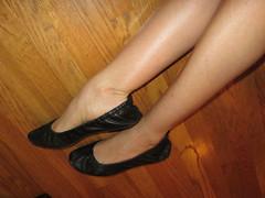 5594480276_bdbc9ff358_o (J.Saenz) Tags: ballet woman feet foot mujer ballerina shoes zapatos flats pies pieds dangling slippers calves pooping zapatillas sabrinas bailarinas merceditas ballerine fetichismo shoeplay ballettschuhe manoletinas podolatras pantorrillas