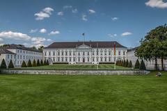 Schluss Bellevue, Berlin - HDR (bohnengarten) Tags: berlin castle germany deutschland eos capital hauptstadt schloss bellevue bundespräsident 70d amtssitz
