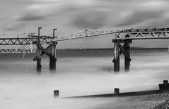 DSD_5618ed (alfiow) Tags: longexposure beach pier waves totland hurstcastle