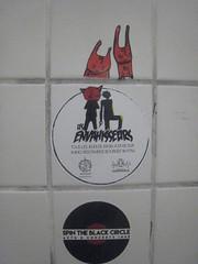 Les envahisseurs + MC1984 (mc1984) Tags: mc1984 stickers tinals