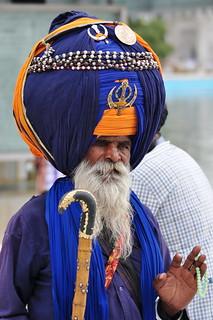 India - Punjab - Amritsar - Golden Temple - Guard - 265