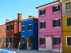 Au fil des rues... Burano (Yvette Gauthier) Tags: venise venezia couleur italie burano