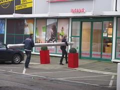 Battering Ram (streamer020nl) Tags: holland carpet eingang entrance nederland rug nl ingang entrée teppich batteringram karpet 2014 tapijt vloerkleed roobol 181114 stormram