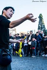 Il filo (Eolo...) Tags: roma nikon strada italia di mago lazio filo colosseo artisti fazzoletto d7100