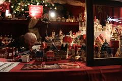 IMG_1185 (Mamooli) Tags: christmas weihnachten markets weihnachtsmarkt off xmass christkindlesmarkt 1000 18mm f35 chriskindlmarkt 0033sec130 didnotfire canoneos70d