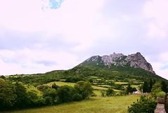 Pic de Bugarach - Aude (de Provence et d'ailleurs) Tags: montagne pic aude bugarach