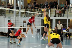 GO4G5540_R.Varadi_RVaradi (Robi33) Tags: game girl sport ball switzerland championship team women action basel tournament match network volleyball block volley referees viewers